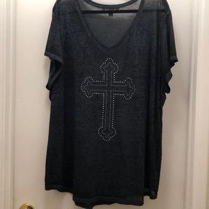 Burnout tee with studded cross front. 3X
